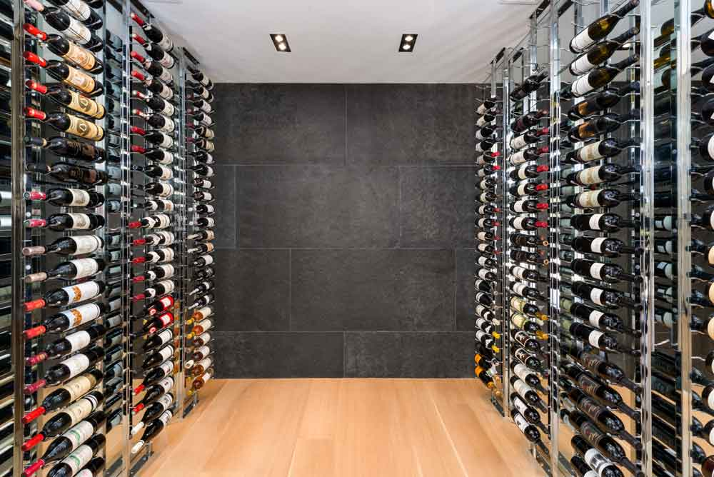 Wondrous 5 Amazing Modern Home Wine Cellars And Walls Vintageview Interior Design Ideas Tzicisoteloinfo